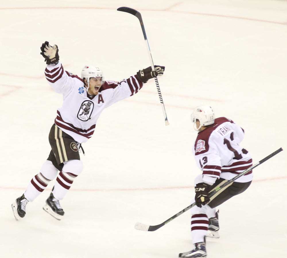 chris bourque game winning goal opening night hershey bears-1